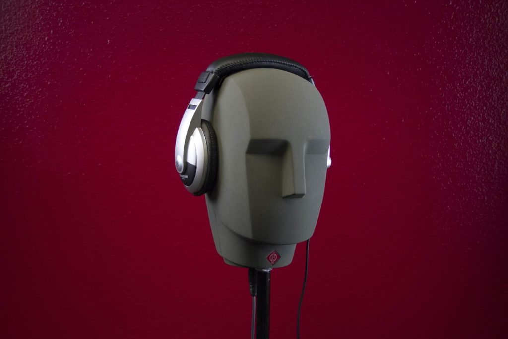 An artificial stereo head is used to develop the quality of stereo speakers